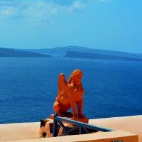 статуя на фоне моря :: Владимир