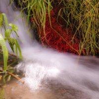 мини цветной водопадик :: Георгий А
