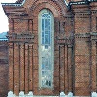 Покровский храм пос.Кораблино Рязанской обл.(средняя часть реставрируется) :: Galina Solovova