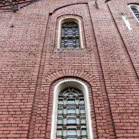 окна храма :: Сергей Лындин
