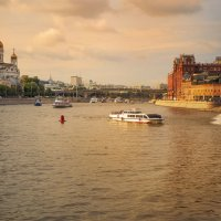 прогулки на речных трамвайчиках :: Александр Шурпаков