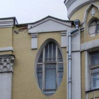 Эллипсное окно :: Сергей Лындин