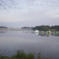Туман на озером :: Валентина Папилова