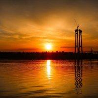 Вид на недостроеный мост с Набережной Запорожья :: Иван Александров