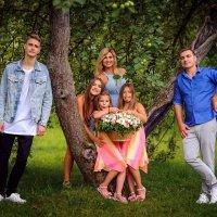 Семейное фото в парке :: Фролов Фролов