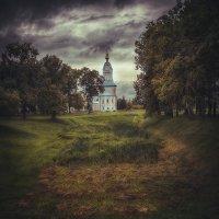 Хмурый Углич :: Эльмира Суворова
