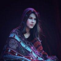 Девушка - Думы о судьбах мира сего :: Ксения OKDMUSE