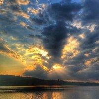 """""""Когда закат прощальными лучами спокойных вод озолотит стекло..."""" :: Ирэн"""