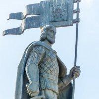памятник - Александру Невскому в Первомайском парке. :: Руслан Васьков