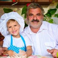 Маленький повор с дедушкой :: Оксана