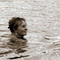Плывущая в августе :: Елена Минина