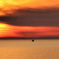 Вечернее небо над морем :: Валерий