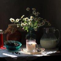 Летнее утро, черника с молоком :: Natali K