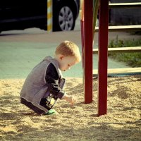 «Самая лучшая игрушка для детей - кучка песка» (Ушинский К.Д.) :: Глeб ПЛATOB