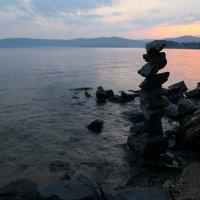 Вечер у озера :: Петр Новоселов