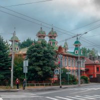 Рыбинск. Перекресток.  Каштан. Дом художников. :: Виктор Орехов