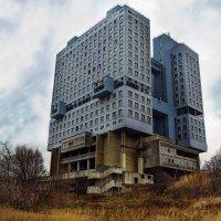 Дом монстр :: Андрей Николаевич Незнанов