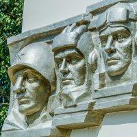 памятник воинам односельчанам погибшим в годы великой отечественной войны :: Руслан Васьков