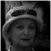 У женщины всегда три возраста: кажущийся, действительный и приписываемый ею себе..... :: Tatiana Markova