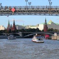 прогулка по Москве реке :: Горкун Ольга Николаевна