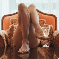 Не желаете ли бокал шампанского? :: Александр (sanchosss) Филипенко