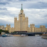 Котельническая набережная Москвы :: Олег Соболев