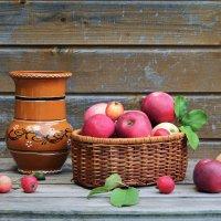 Август пахнет яблоками...1 :: Наталья Natupans