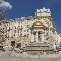 фонтан-ротонда Александр и Натали :: Владимир Иванов