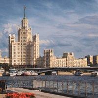 Высотка на Котельнической набережной :: Татьяна Колганова