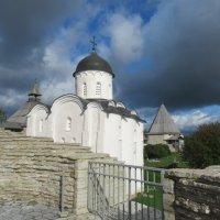 Внутри крепости Старая Ладога :: Татьяна Гусева