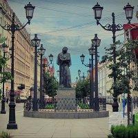 Памятник Н. В.Гоголю :: Liliya Kharlamova