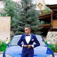 Мужчина с машиной :: Valentina Zaytseva