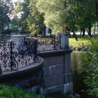 в Лопухинском саду :: Елена