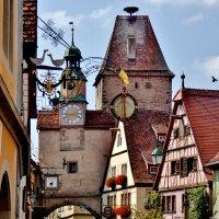 Одна  из  старейших башен Святого  Марка была  построена  в 12  веке :: backareva.irina Бакарева