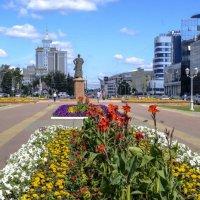 одна из главных улиц города :: Георгий А