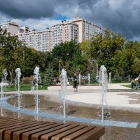 На Крымской площади (Самара). :: Олег Манаенков