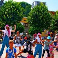 Танцуют дети :: Евгений БРИГ и невич