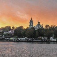 Осень .Волга.Закат в Мышкине. :: юрий макаров
