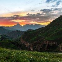 перевал Актопрак (белая глина),гора Наушидзе (Тещины зубы) :: Александр Богатырёв