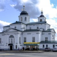 Никольский женский монастырь днём :: Георгий А