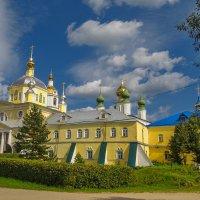 Николо-Шартомский мужской монастырь,Надвратный Преображенский храм :: Сергей Цветков