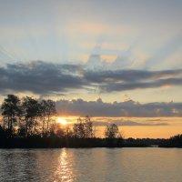 Озеро,восход. :: Павел