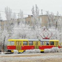 Бежал по городу трамвайчик. :: ЛЮБОВЬ ВИТТ