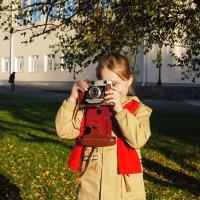 Конкурент со среднеформатной камерой. :: Александр