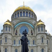 Памятник адмиралу Федору Ушакову :: Liliya Kharlamova