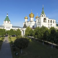 Кострома.В Ипатьевском монастыре. :: Анатолий Грачев