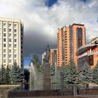Памятник Леси украинки :: Vyacheslav Gordeev