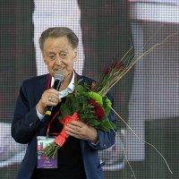 добрый женский защитник :: Олег Лукьянов
