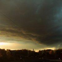 бОльшая половина жителей города у окон затихли.... :: Елена Минина