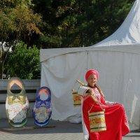 Красна девица на фестивале :: Александр Рыжов